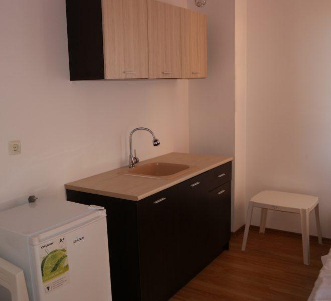 Двустаен апартамент Равда кухня