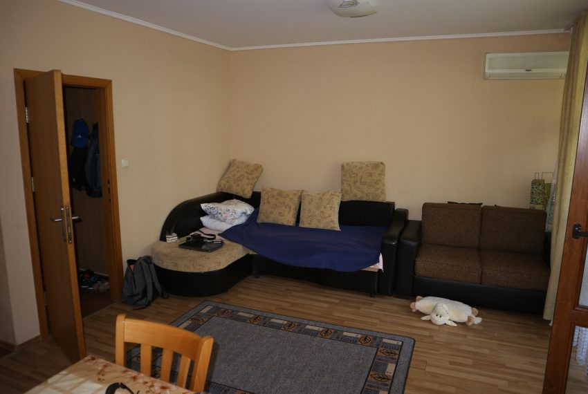 Двустаен апартамент Слънчев Бряг всекидневна