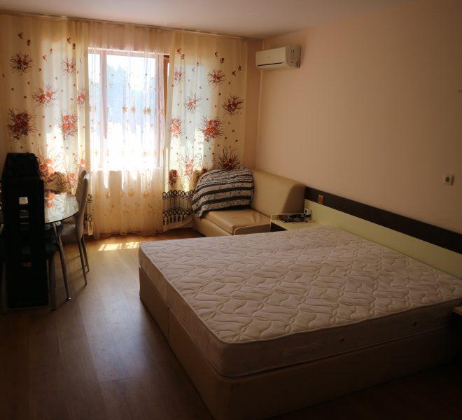 Едностаен апартамент Слънчев Бряг спалня
