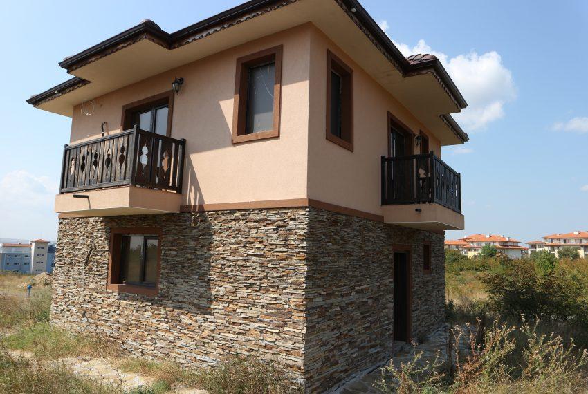 къща до Слънчев Бряг вилна зона Кошарица със земя (13)