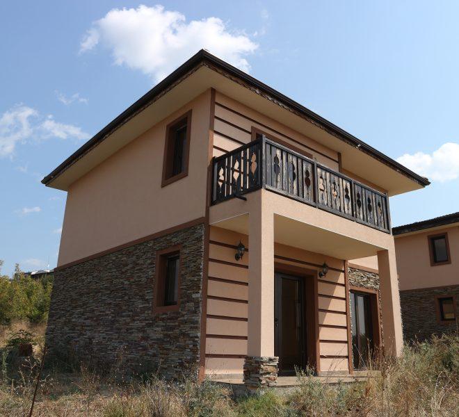 къща  със земя