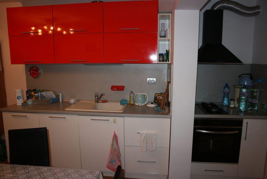 Тристаен апартамент в Несебър кухня