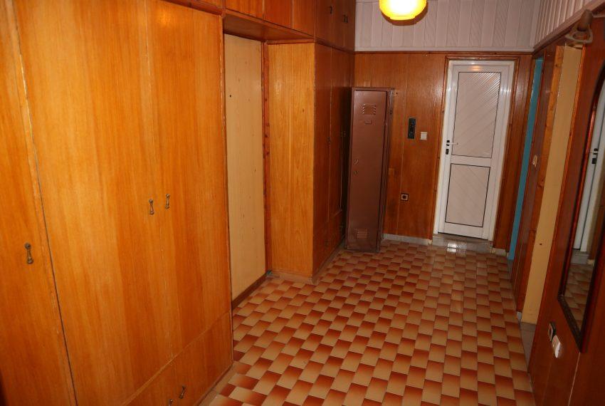 Тристаен апартамент Несебър коридор