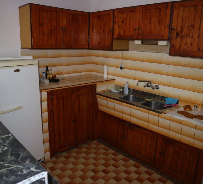 Тристаен апартамент Несебър кухня
