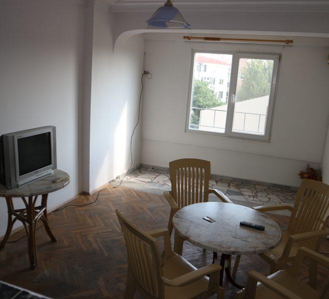 Тристаен апартамент Несебър всекидневна