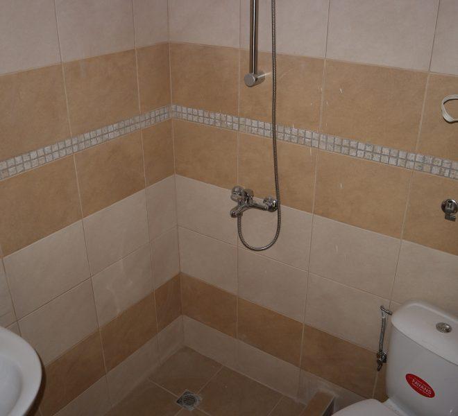 Едностаен апартамент Равда без такса баня