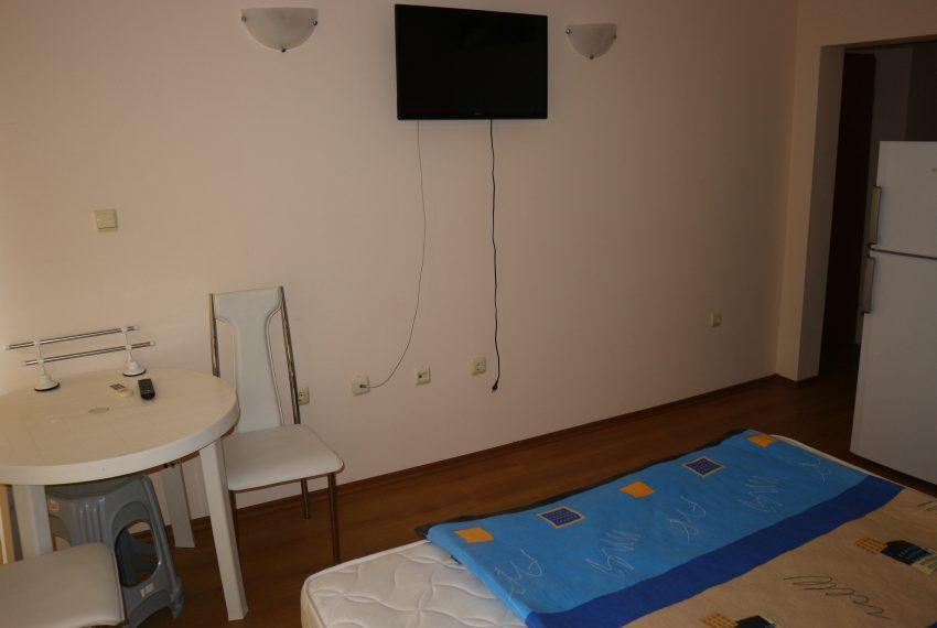Едностаен апартамен Слънчев Бряг всекидневна спалня