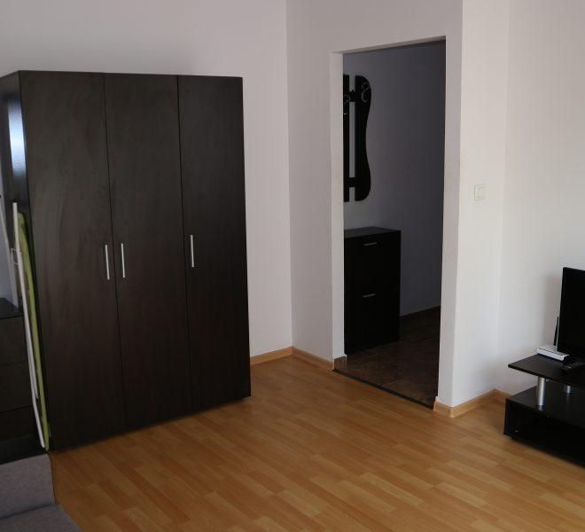 едностаен апартамент с отделна кухня в Слънчев Бряг всекидневна
