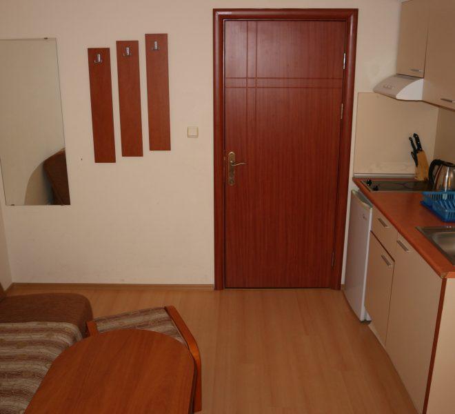 Едностаен апартамент в Слънчев Бряг кухня