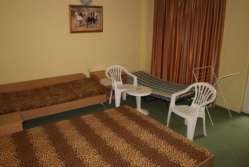 хотел в Свети Влас, три + едно стая