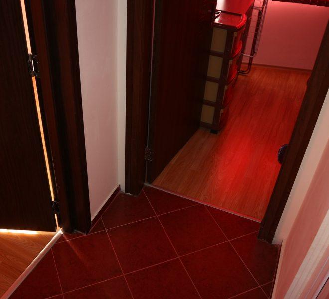 Двустаен апартамент в Несебър коридор