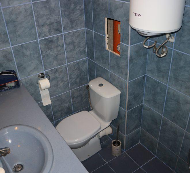 Едностаен апартамент в Несебър без такса с гледка море  баня