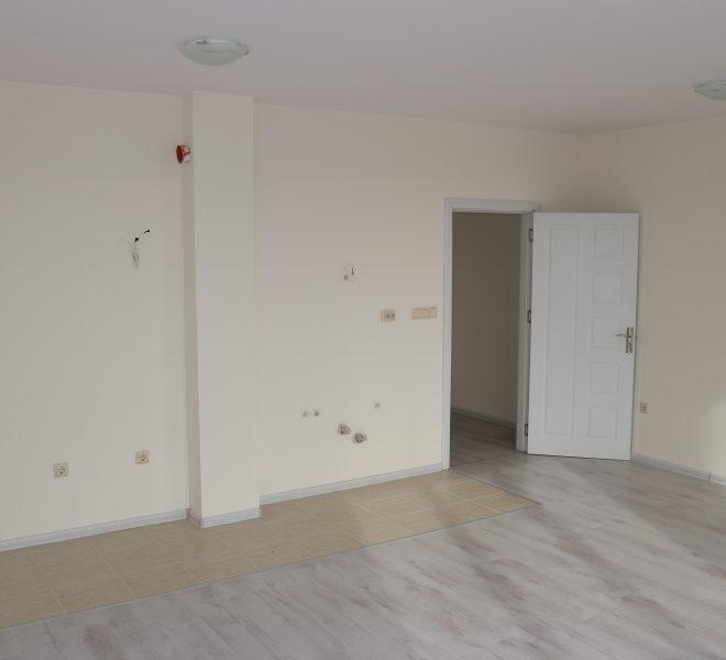 Едностаен апартамент в Равда без такса всекидневна