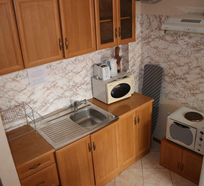 Едностаен апартамент в Слънчев Бряг гледка басейн кухня