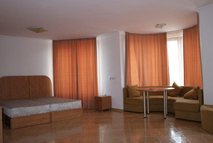 Двустаен апартамент в Свети Влас с частична гледка море всекидневна