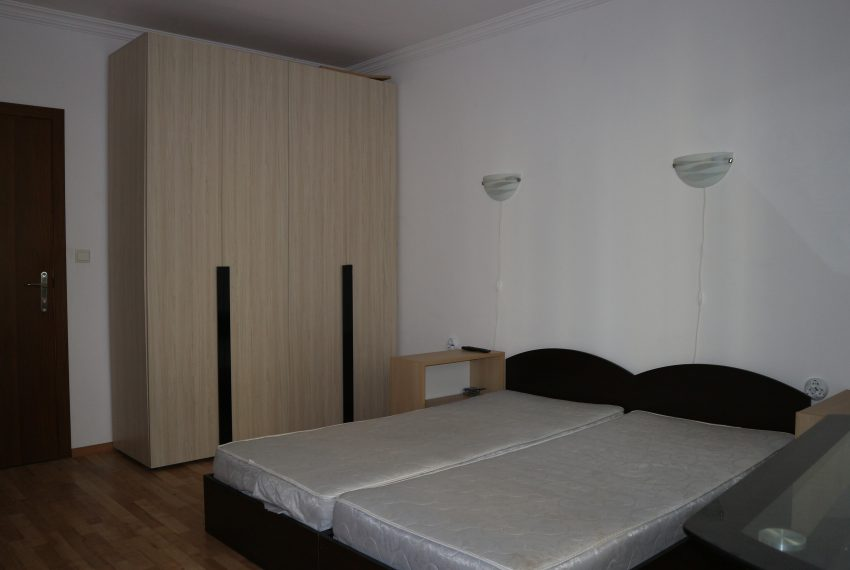 Едностаен апартамент тип студио в Слънчев Бряг всекидневна спалня