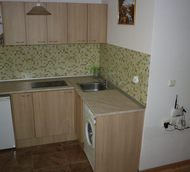 Едностаен апартамент тип студио в Слънчев Бряг кухня