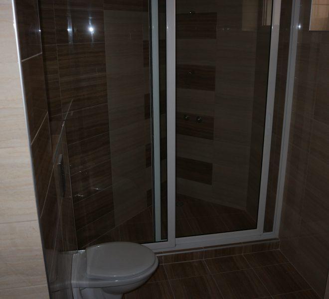 Тристаен апартамент с гледка море в Равда баня