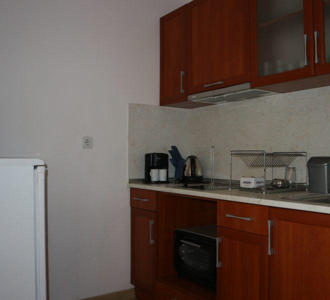 двуспален апартамен в Слънчев Бряг кухня