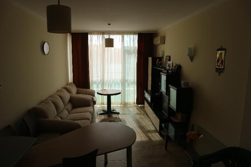 Двустаен апартамент в Несебър (10)_resize_10