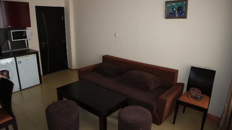 Двустаен апартамент в Несебър (11)_resize_8