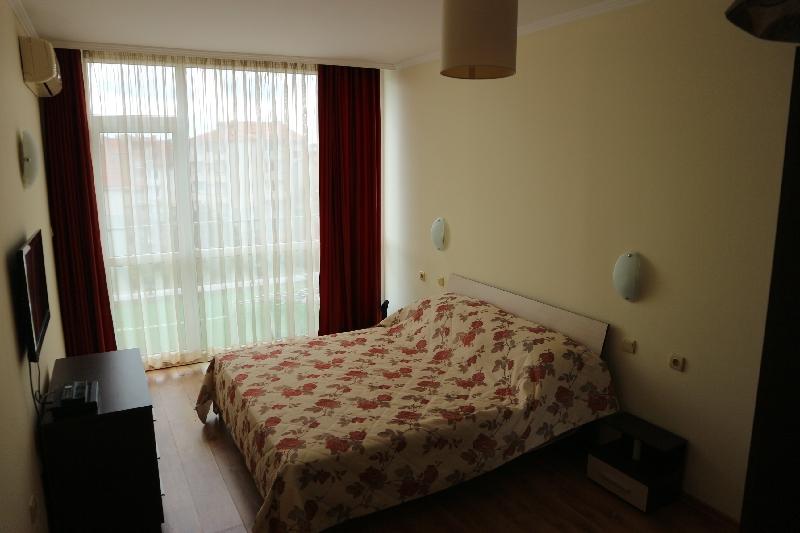 Двустаен апартамент в Несебър (4)_resize_96