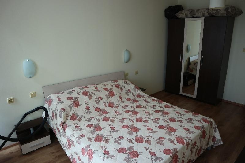 Двустаен апартамент в Несебър (5)_resize_40