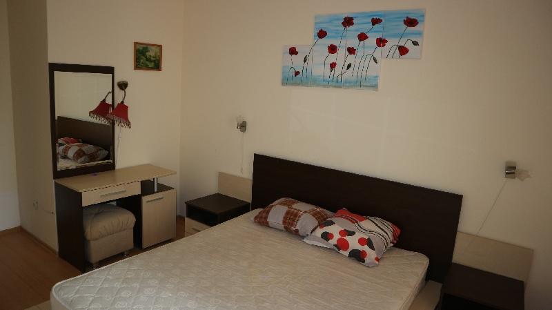 Двустаен апартамент в Несебър (7)_resize_98
