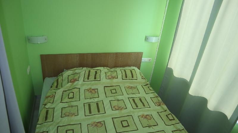 Едностаен апартамент в Равда . One room flat in Ravda (5)_resize_9